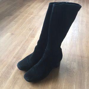 LA CANADIENNE BLACK SUEDE BOOTS